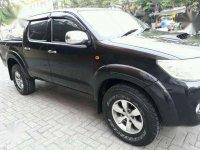 Toyota Hilux 2.5 M/T 4x4 E Double Cabin Hitam Tahun 2013