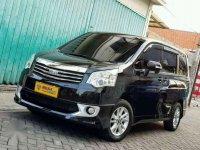 Dijual Toyota Nav1 V 2014