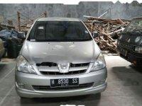 Dijual mobil Toyota Kijang Innova V Luxury 2005 MPV
