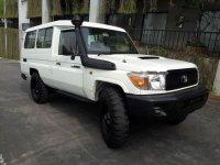 Dijual mobil Toyota Land Cruiser LC70 V8 4.5 Manual 2012 SUV
