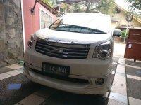 Dijual mobil Toyota NAV1 V 2013 MPV