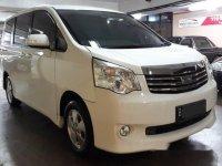 Toyota NAV1 2.0 G A/T 2013