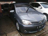 Dijual mobil Toyota Etios Valco E 2013 Hatchback