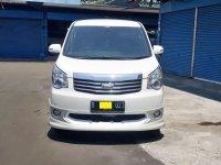 Toyota NAV1 V 2013 MPV Automatic