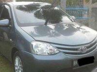 Dijual mobil Toyota Etios Valco E Tahun 2013 sangat bagus