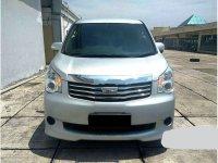 Dijual mobil Toyota NAV1 G 2013 MPV