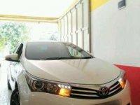 Toyota Altis V AT Putih Tahun 2014