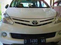 Toyota Avanza Putih Mulus 2013