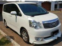 Jual mobil Toyota NAV1 Luxury V 2013 MPV