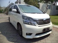 Toyota Vellfire Z Audioless 2010 AT Terawat