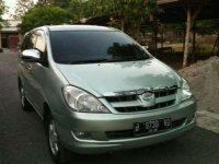 Dijual mobil Toyota Kijang Innova G Luxury 2005 siap pakai