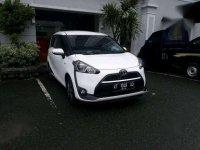 Toyota Sienta 1.5 V 2017