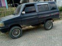 Toyota Kijang 1986