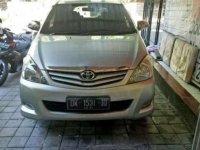 Dijual mobil Toyota Kijang Innova G Luxury 20011 siap pakai
