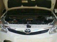 Toyota Avanza Veloz warna putih 2015