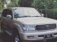 Dijual mobil Toyota Land Cruiser V8 D-4D 4.5 2001 Aussie bandung