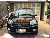 Dijual mobil Toyota RAV4 LWB 2004 SUV
