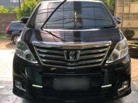 Dijual  mobil Toyota Alphard G hitam tahun 2013