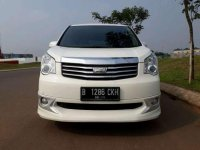 Toyota NAV1 2013