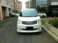 Toyota NAV1 V AT Tahun 2015 Automatic