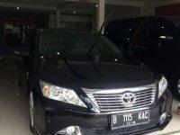 Toyota Camry V 2.4 A/T Hitam Tahun 2014