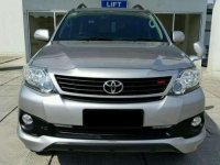 Dijual Mobil Toyota Fortuner TRD G Luxury SUV Tahun 2014