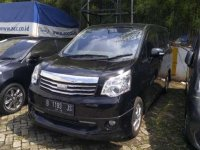Jual Toyota NAV1 V Luxury Automatic 2013