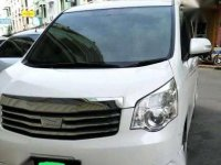 Dijual Toyota Nav 1 Seri V Tahun 2013