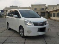 Dijual Mobil Toyota Nav1 V Limited 2014