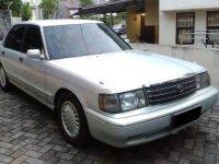 Dijual mobil Toyota Crown Royal Saloon 1995 Sedan