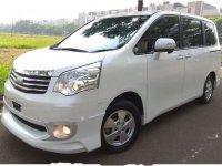 Dijual mobil Toyota NAV1 Luxury V 2013 MPV