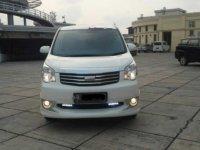 Dijual mobil Toyota NAV1 V Limited 2014 MPV
