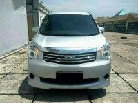 Jual mobil Toyota NAV1 2.0 G 2014