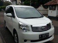 Toyota NAV1 G 2013