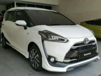 2916 Toyota Sienta 1.5 Q AT dijual