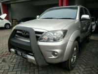 2005 Toyota Fortuner V Dijual