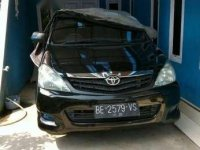 Toyota Kijang Innova Tahun 2009