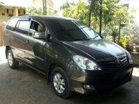 2010 Minibus Toyota Kijang Innova Tipe G Solar dijual