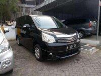 2013 Toyota NAV1 V Luxury dijual