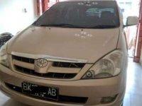 2004 Toyota Kijang Innova 2.0 V Bensin dijual