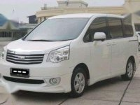 2013 Toyota NAV1 2.0 V Luxury AT dijual