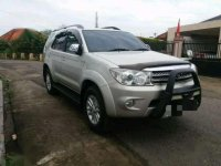 2010 Toyota Fortuner 25 G A/T dijual