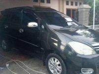 Toyota Kijang Innova V AT Tahun 2010 Dijual