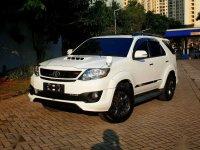 2015 Toyota Fortuner  VNT TRD dijual