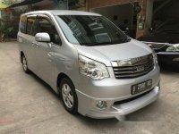 Toyota NAV1 V Luxury AT 2013 dijual