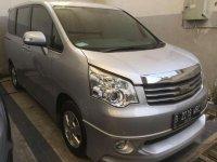 2013 Toyota NAV1 V Luxury AT dijual
