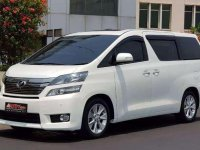 Jual Toyota New Vellfire 2.4 V 2013