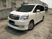 Jual Toyota NAV1 V AT 2.0 2015