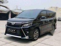 Toyota Voxy 2.0 2018 hitam