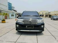 Toyota Land Cruiser 4.6 2012 hitam